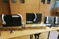 Uczniowie i nauczyciele otrzymali komputery do nauki zdalnej